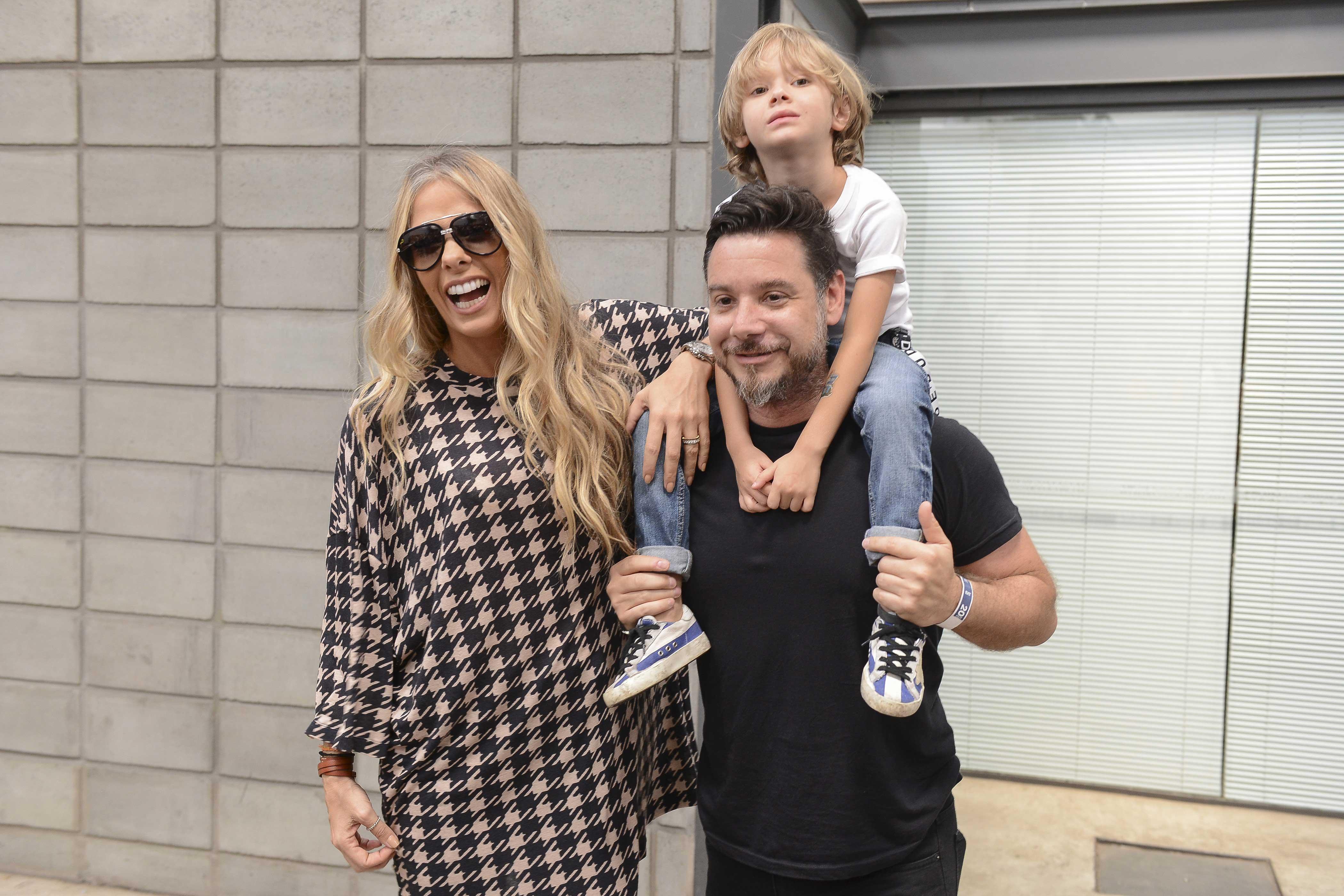 Adriane Galisteu, AlexandreIódice com o filho Vittorio ©Agência Fotosite