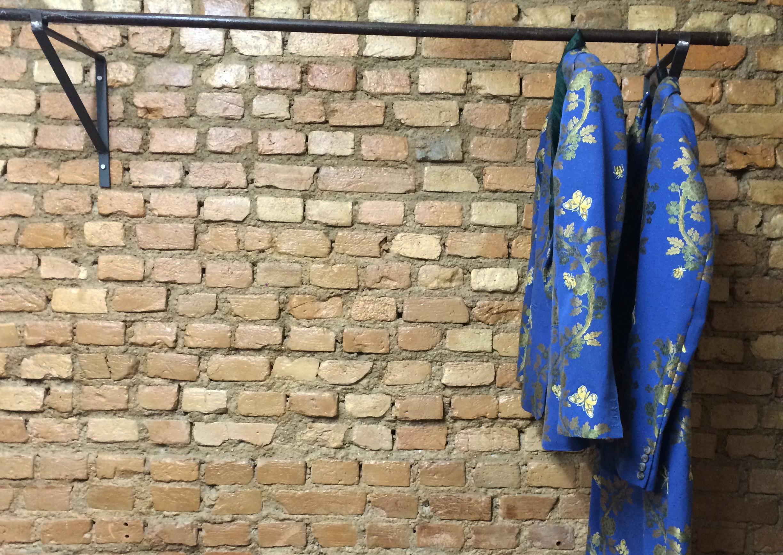 Duas peças de João Pimenta na nova loja do estilista