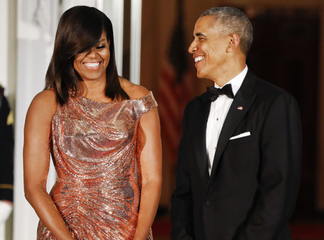 rs_1024x759-161018171105-1024-michelle-obama-versace-jl-101816
