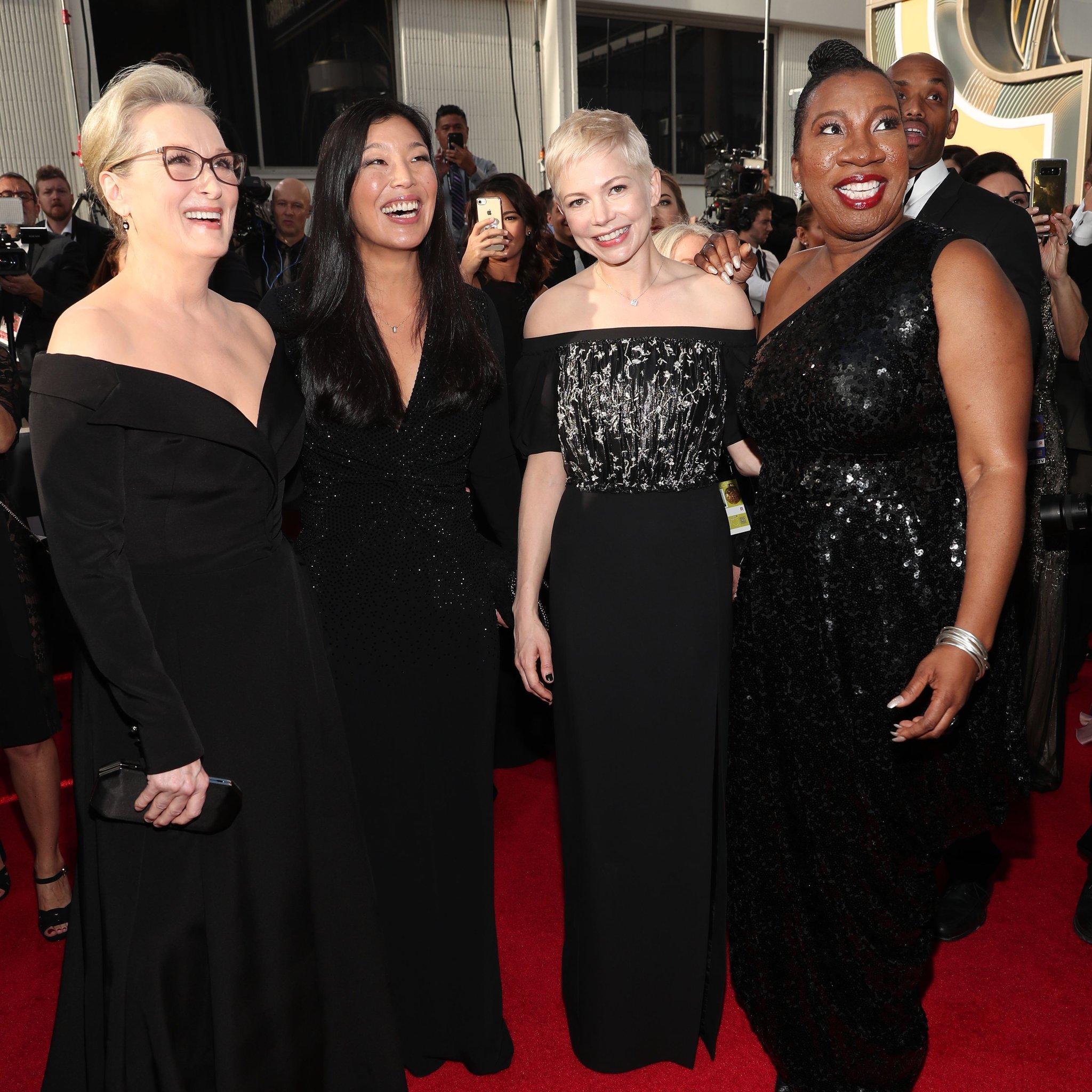 Meryl Streep, Ai-jen Poo, Michelle Williams e Tamara Burke no Globo de Ouro / Reprodução