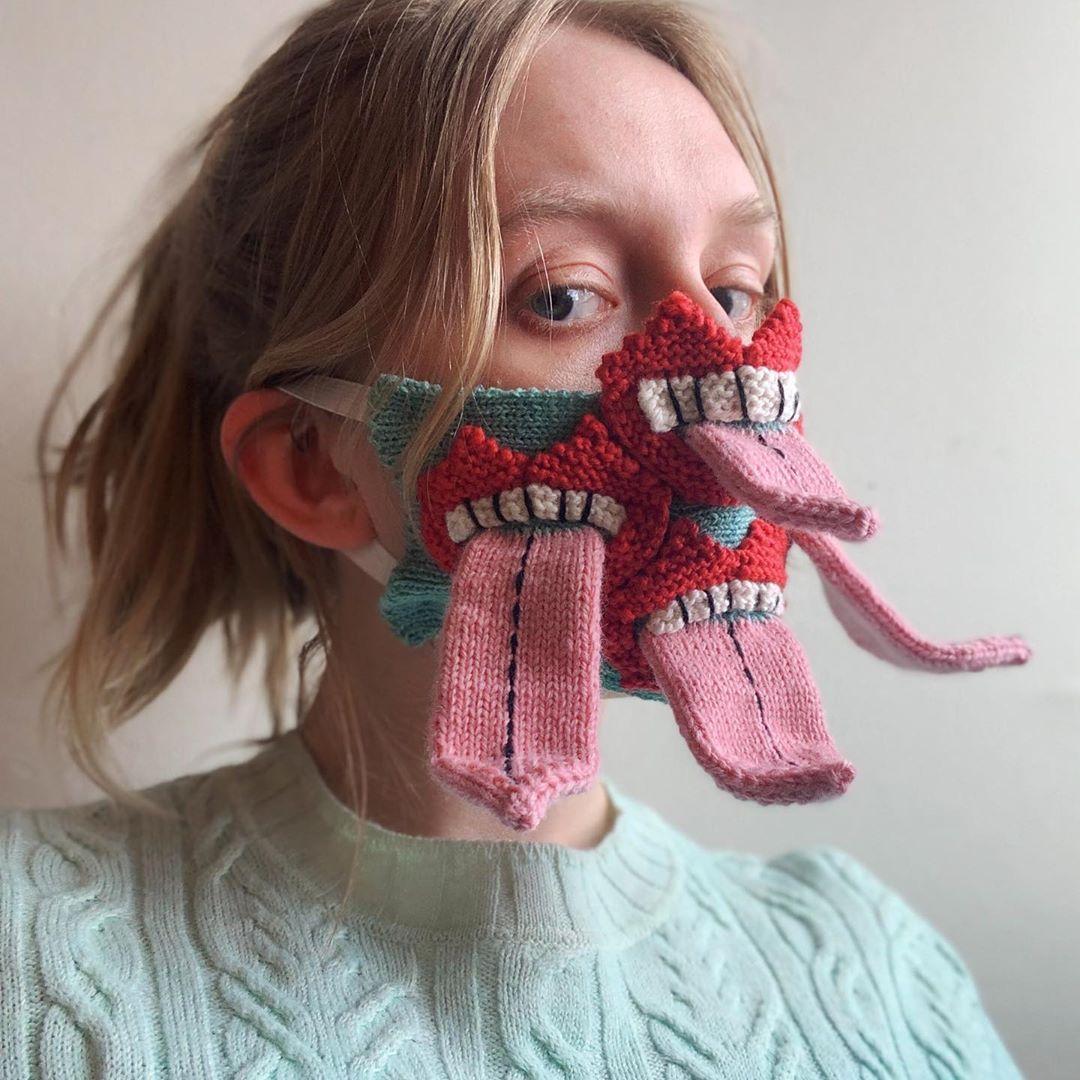 Máscara de tricô da designer da Islândia, Ýrúrarí / Reprodução