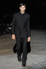 desfile-givenchy-paris-men-inverno2012-100