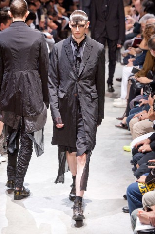 desfile-commedes-paris-men-ss2014-02