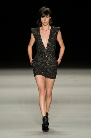 desfile-saint-laurent-verao-2014-001