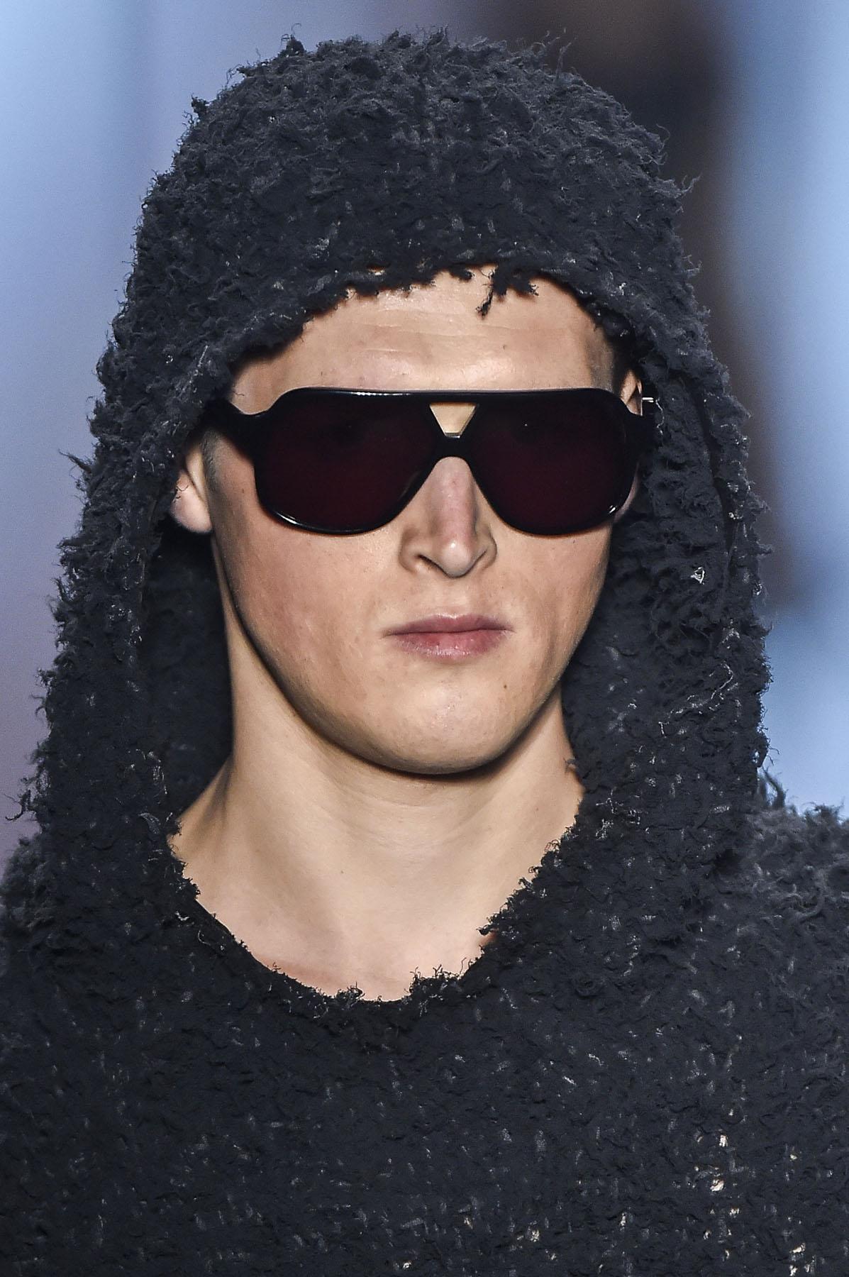 ... da Osklen, acaba de lançar uma linha ultra exclusiva de óculos, em  parceria com escritórios de design de Milão. Chamada de