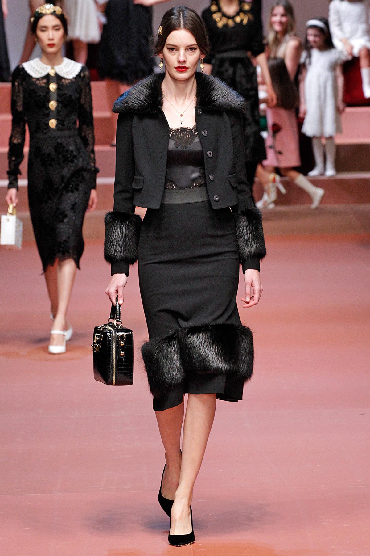 fd81e253b1743 Dolce   Gabbana   Milão   Inverno 2016 RTW    Desfiles    FFW