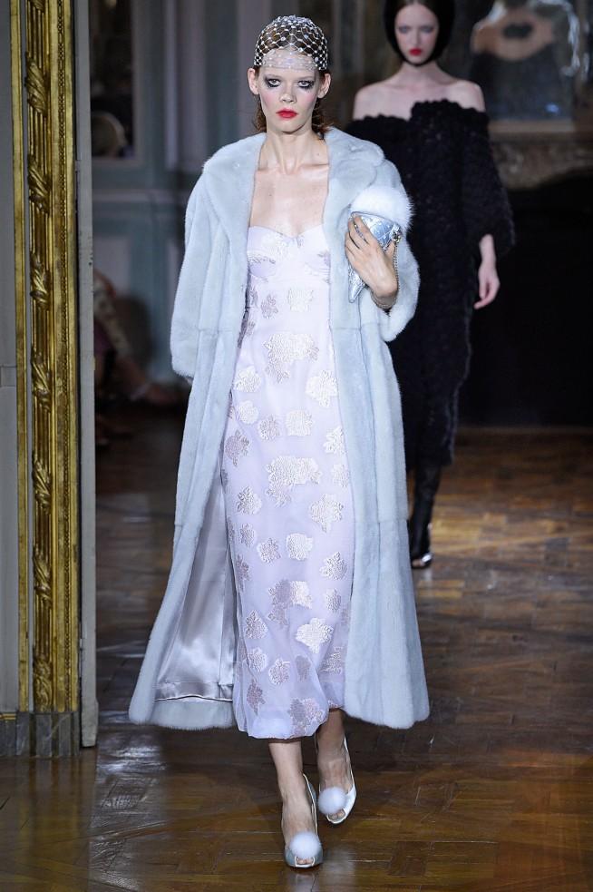 Ulyana Sergeenko-Inverno2016-Paris-AltaCostura-26