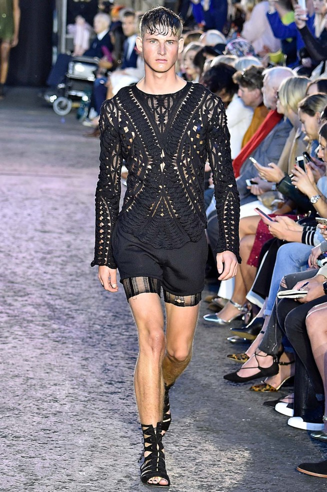 Julien MacDonald-Verao_RTW16_London-43