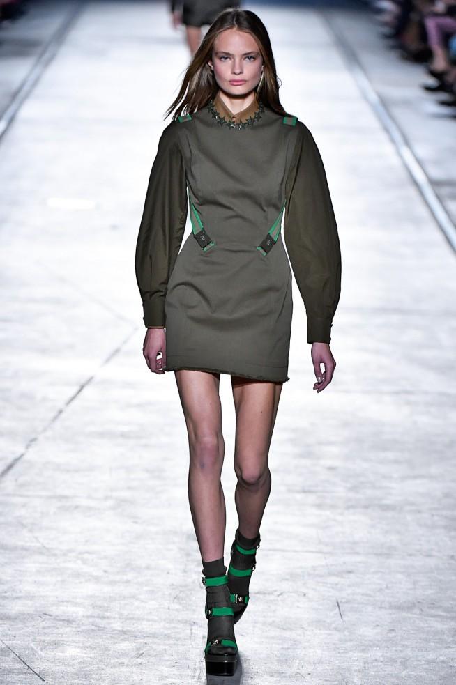 Versace-Verao_RTW16_Milan-1