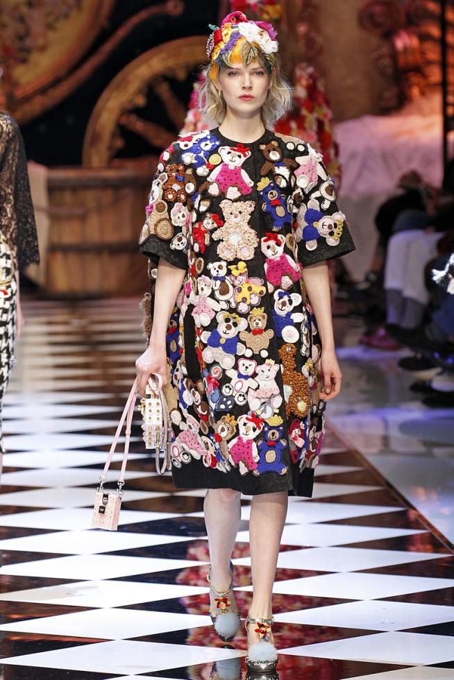 b0599c3768135 Dolce Gabbana Milao - Inverno 2016 foto  FOTOSITE