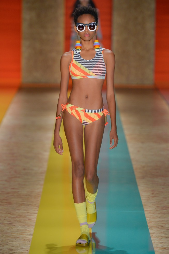 Salinas-Lookbook_SPFW_verao17_lookbook_01