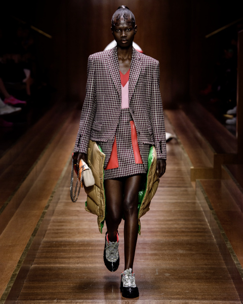2d27870413 burberry-autumn winter-2019-collection-look-31 002