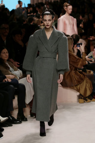 01_fendi_woman_fw_20_21