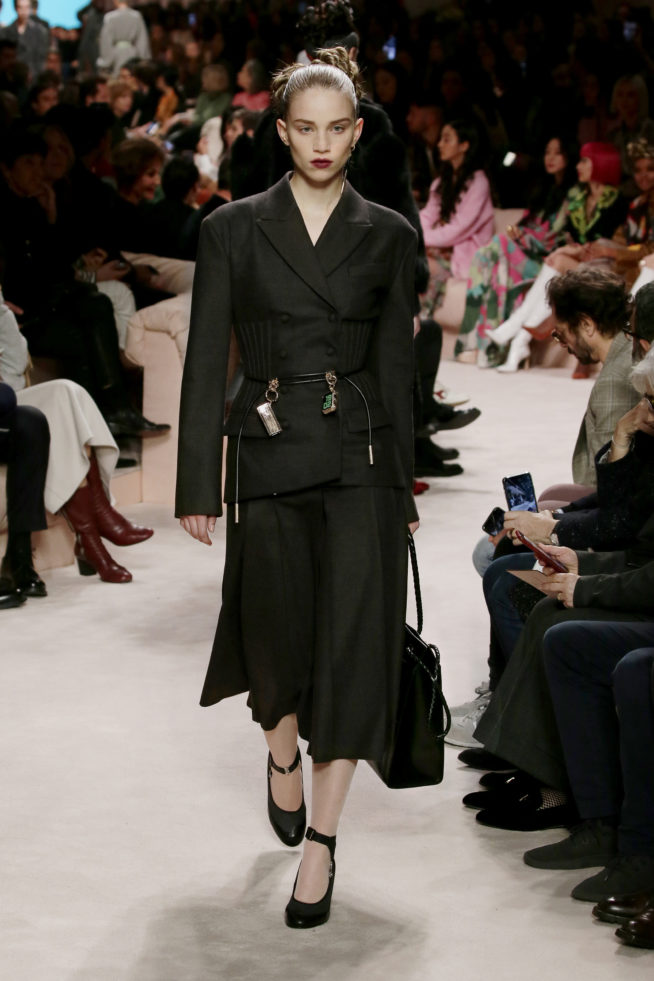 12_fendi_woman_fw_20_21
