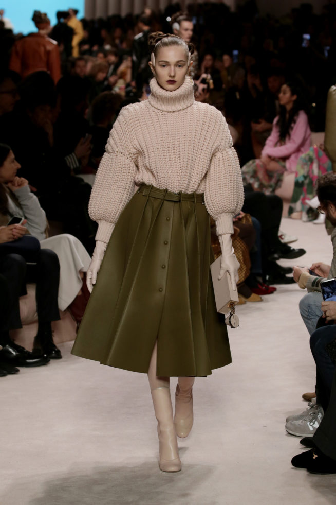 24_fendi_woman_fw_20_21
