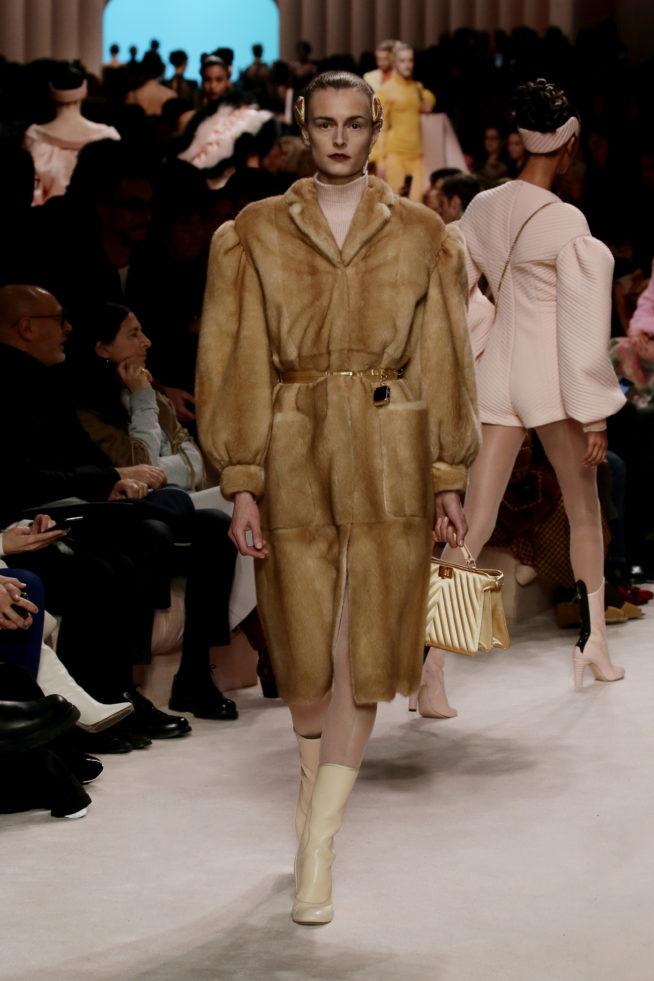 44_fendi_woman_fw_20_21