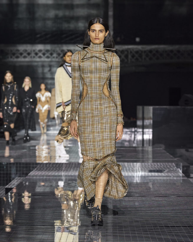 burberry-autumn_winter-2020-collection-look-102
