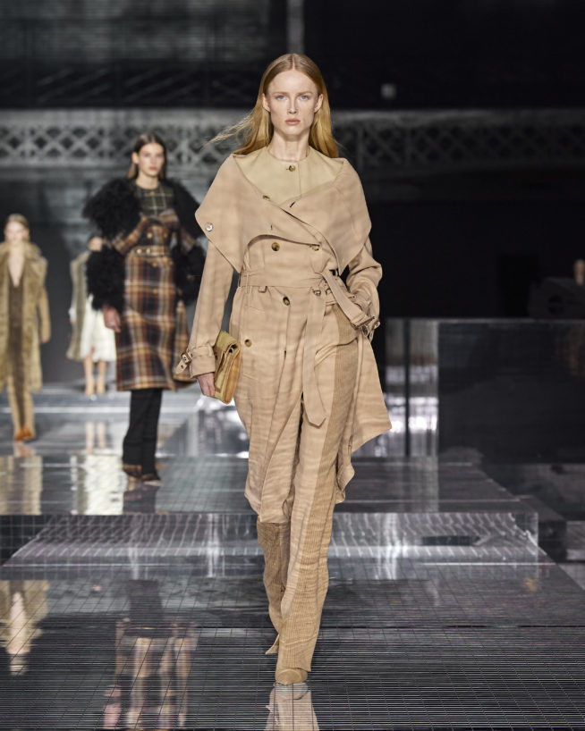 burberry-autumn_winter-2020-collection-look-2