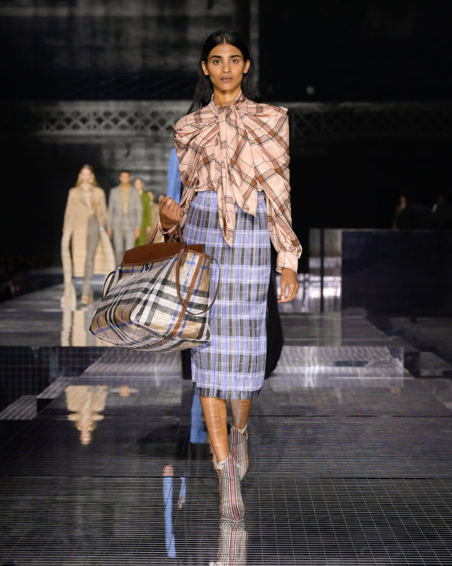 burberry-autumn_winter-2020-collection-look-23_001