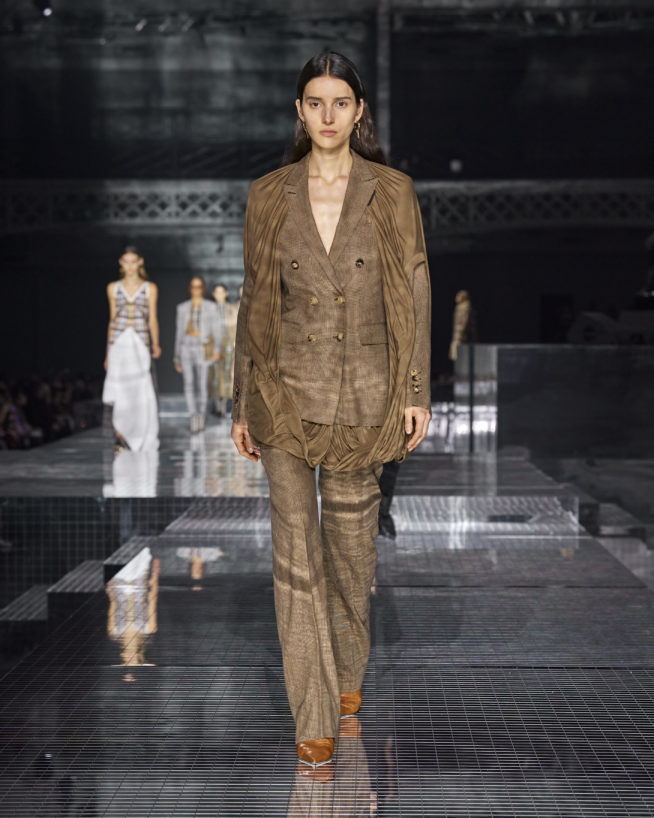 burberry-autumn_winter-2020-collection-look-41