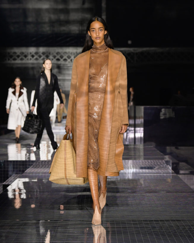 burberry-autumn_winter-2020-collection-look-7_001