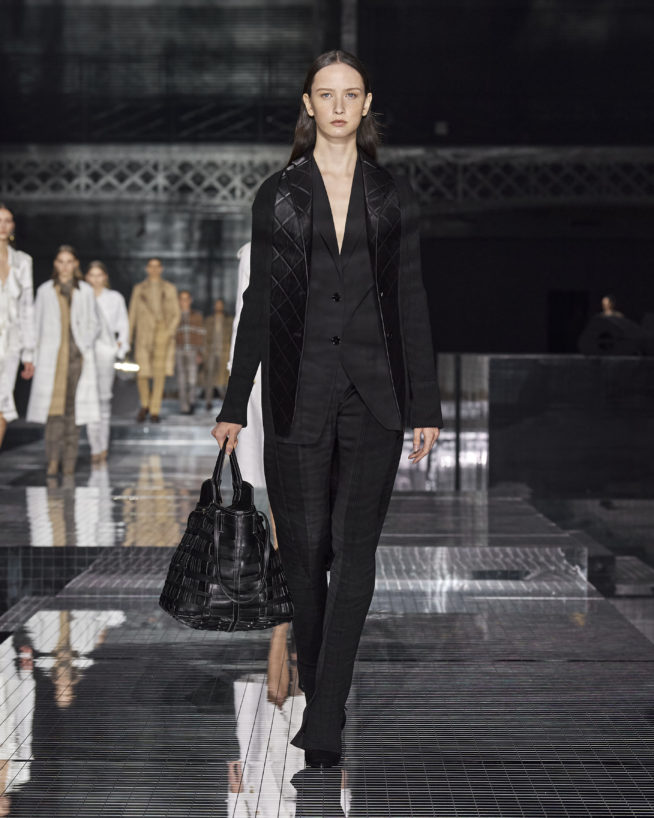 burberry-autumn_winter-2020-collection-look-9