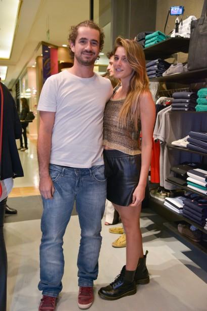 Lacoste inaugura primeira loja-conceito no Brasil  veja quem passou pela  abertura e72c2b6370