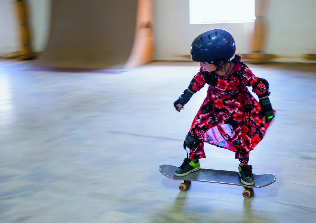 meninas skate afeganistao capa