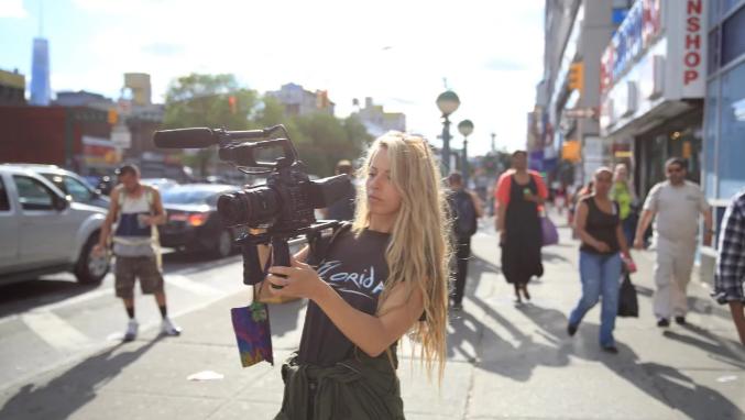 A diretora Crystal Moselle ©Reprodução