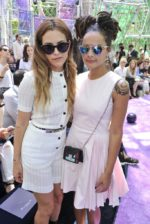 No desfile da Dior com Riley Keough