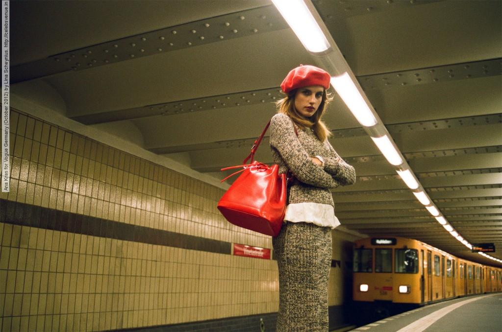 Ana Kras por Lina Schenius para a Vogue alemã ©Reprodução