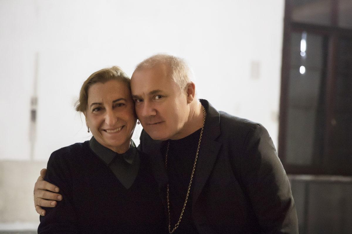 fcd601f96b5 Miuccia Prada recebe convidados para abertura de exposição na ...