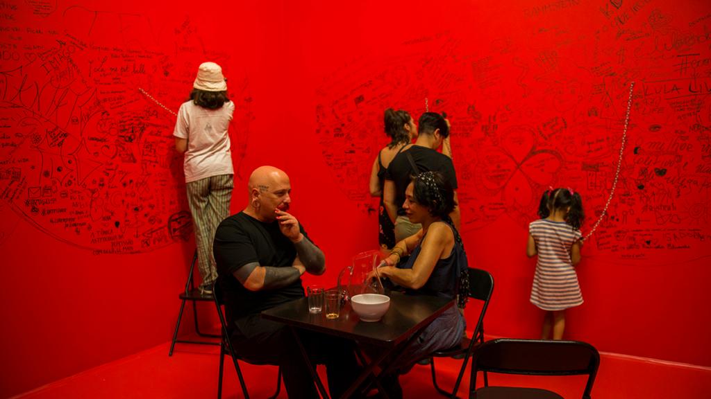 Espaço de Maurício Ianês na exposição / Reprodução