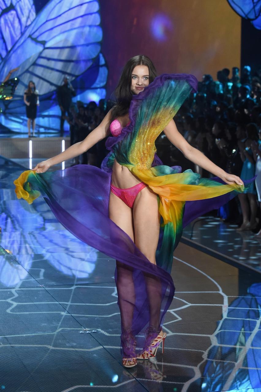 Victoria S Secret Fashion Show  Photos