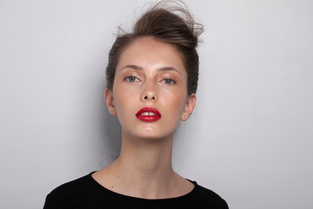 Carol Paes, pronta para desfilar para a GIG Couture ©Agência Fotosite