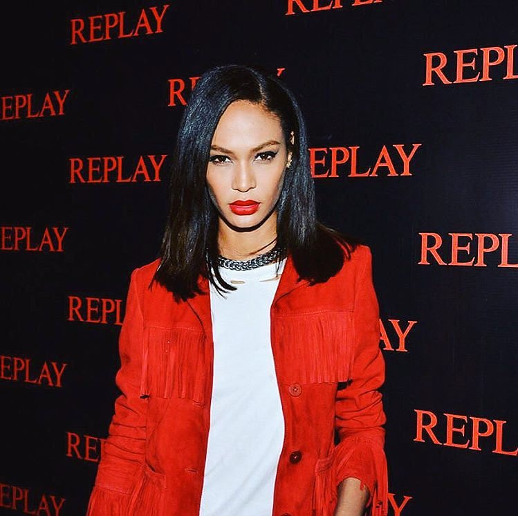 A modelo na festa da Replay ©Reprodução Twitter Joan Smalls