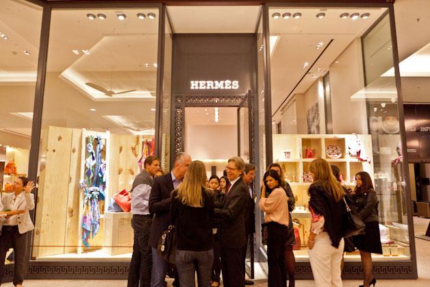 40258b65d1f Galeria de Fotos Hermès  nova coleção no Brasil e romantismo ...