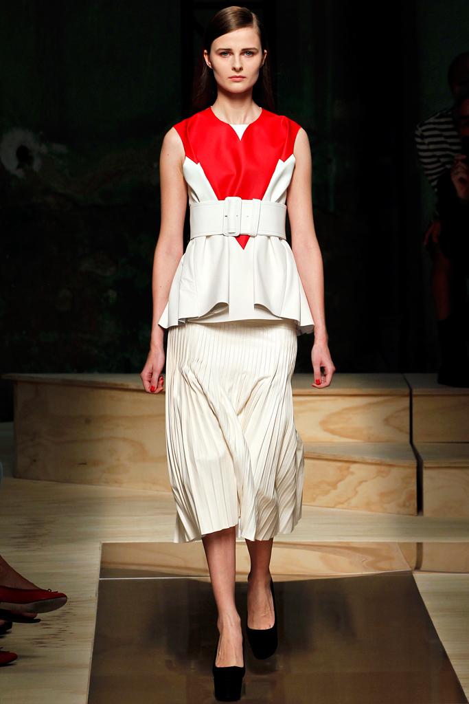 Galeria de Fotos Toque de Midas  entenda o que faz de Phoebe Philo a estilista  nº 1 do mundo hoje    Foto 7    Notícias    FFW feda49ee66