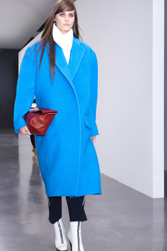 Galeria de Fotos Toque de Midas  entenda o que faz de Phoebe Philo a estilista  nº 1 do mundo hoje    Foto 6    Notícias    FFW 7dc7011d19