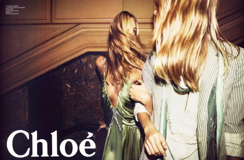 Toque de Midas  entenda o que faz de Phoebe Philo a estilista nº 1 do mundo  hoje. Anja Rubik e Julia Stegner na campanha de Verão 2005 da Chloé, ... 1b3728ce04