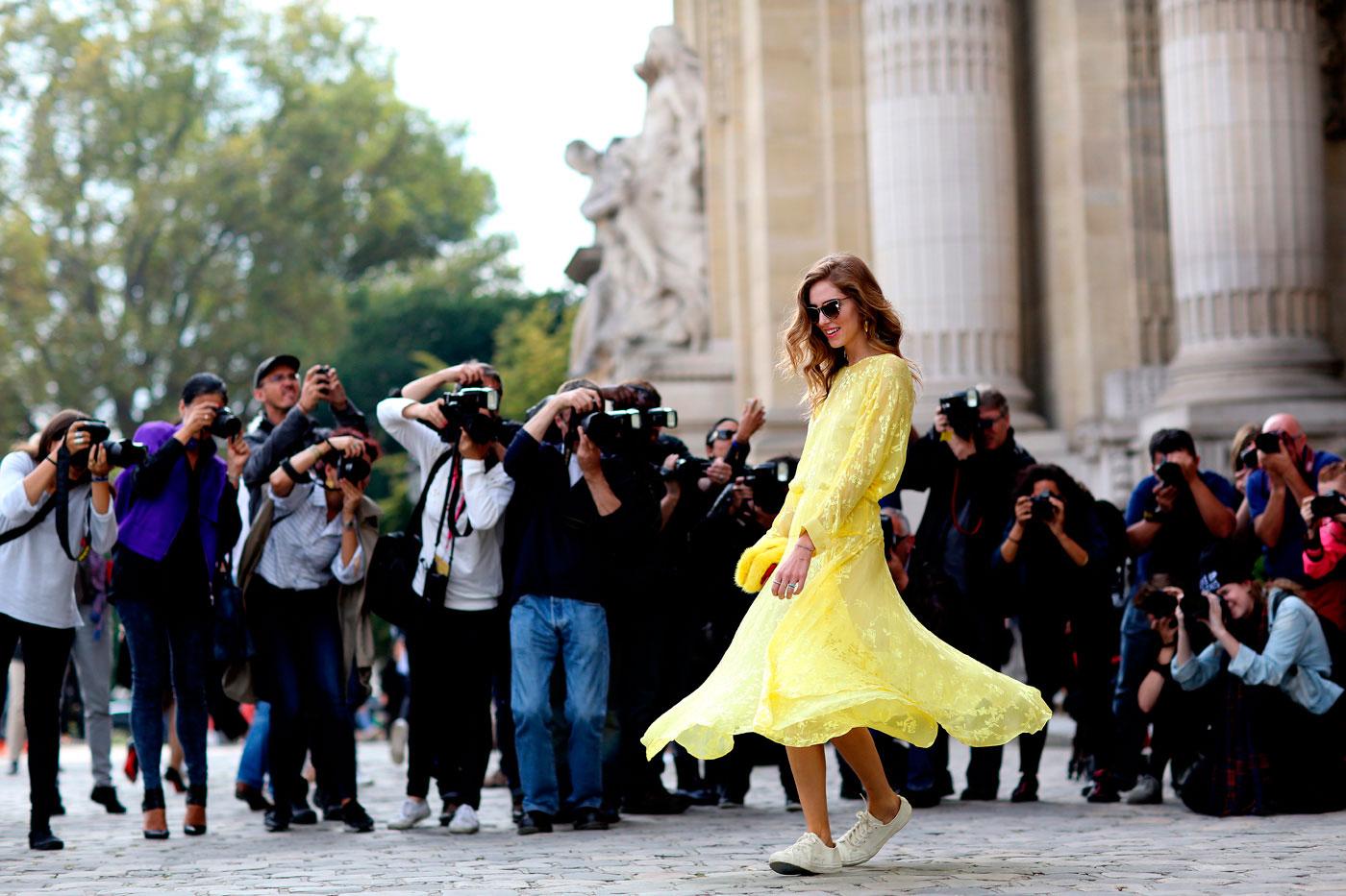 Street style durante a Semana de Moda de Paris ©IMAXtree