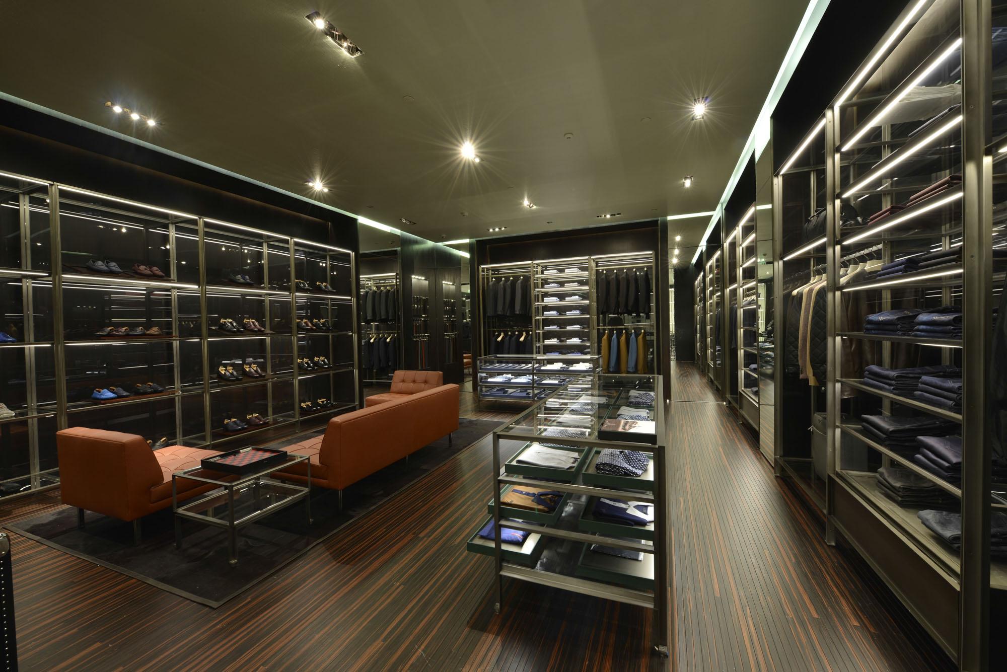 7e6cb465f Galeria de Fotos Por dentro da nova loja da Prada no shopping Cidade Jardim  em SP // Foto 3 // Notícias // FFW