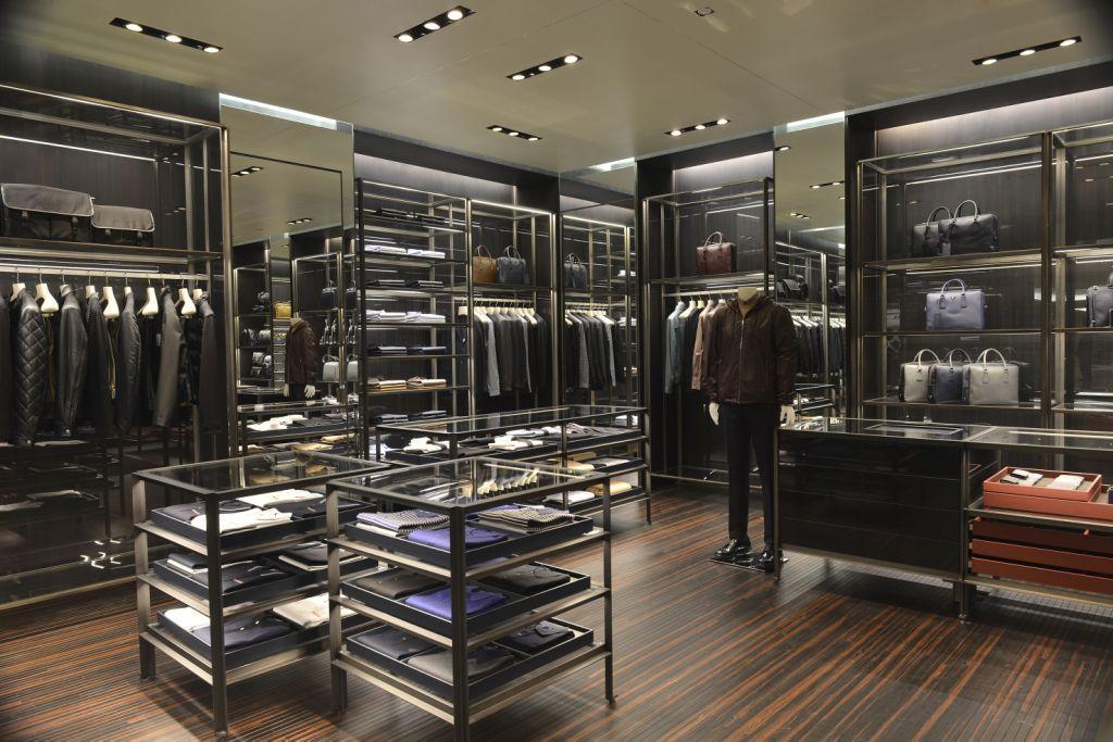 280643c6e A Prada abre sua primeira loja exclusivamente dedicada à moda masculina no  Brasil
