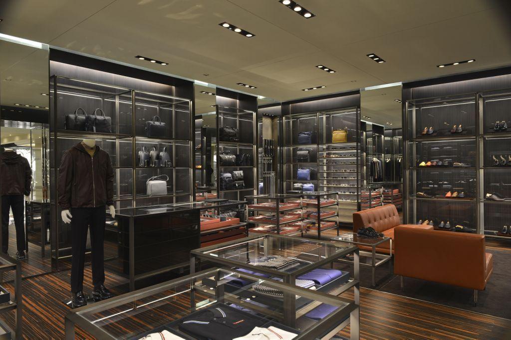 3a729062a Galeria de Fotos Só para eles: Prada abre loja inteiramente dedicada à moda  masculina em SP // Foto 2 // Notícias // FFW