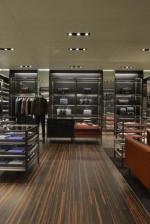 b13b22558 A Prada abre sua primeira loja exclusivamente dedicada à moda masculina no  Brasil.