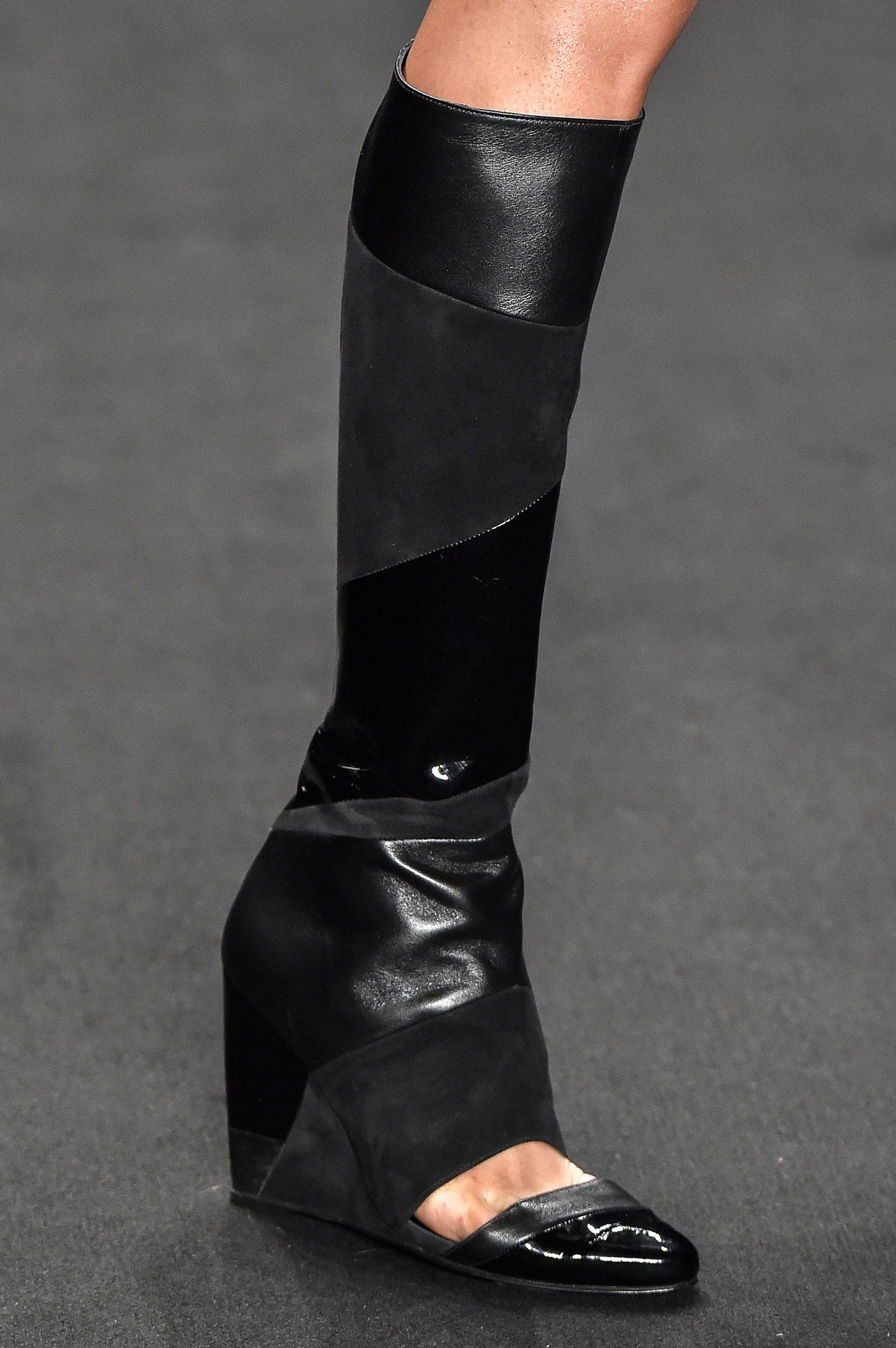 9eba39d23 Galeria de Fotos Acerte o passo: os melhores sapatos nas tendências mais  quentes do SPFW // Foto 6 // Notícias // FFW