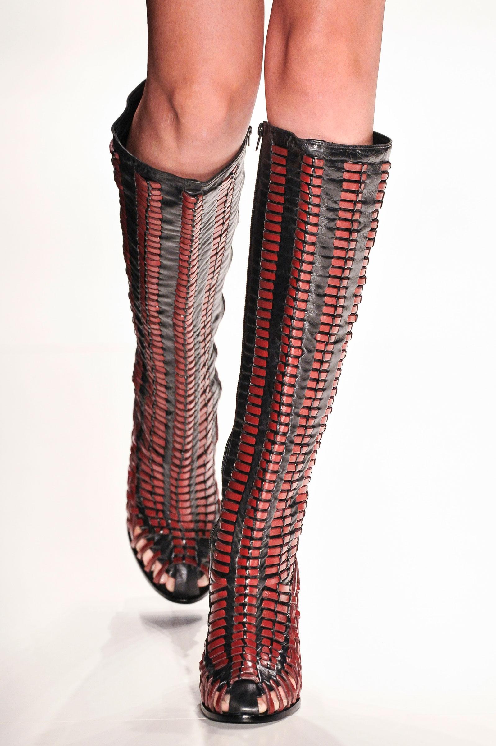 c14124349 Galeria de Fotos Acerte o passo: os melhores sapatos nas tendências mais  quentes do SPFW // Foto 7 // Notícias // FFW