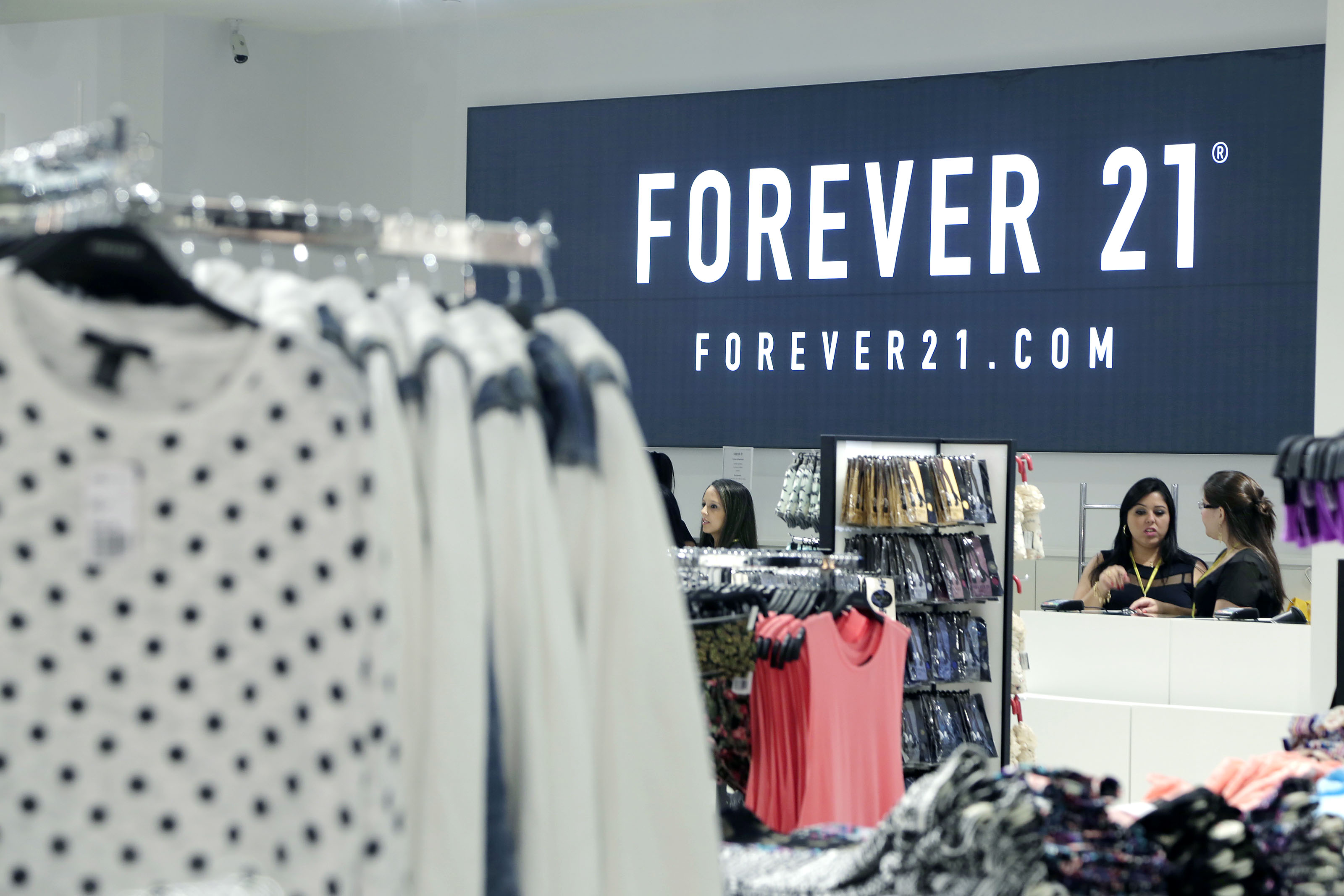 07195fb70da Forever 21 abre mais três lojas e fecha 2014 com 11 estabelecimentos ...