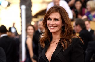 Julia Roberts no tapete vermelho do SAG Awards 2015 ©Getty Images