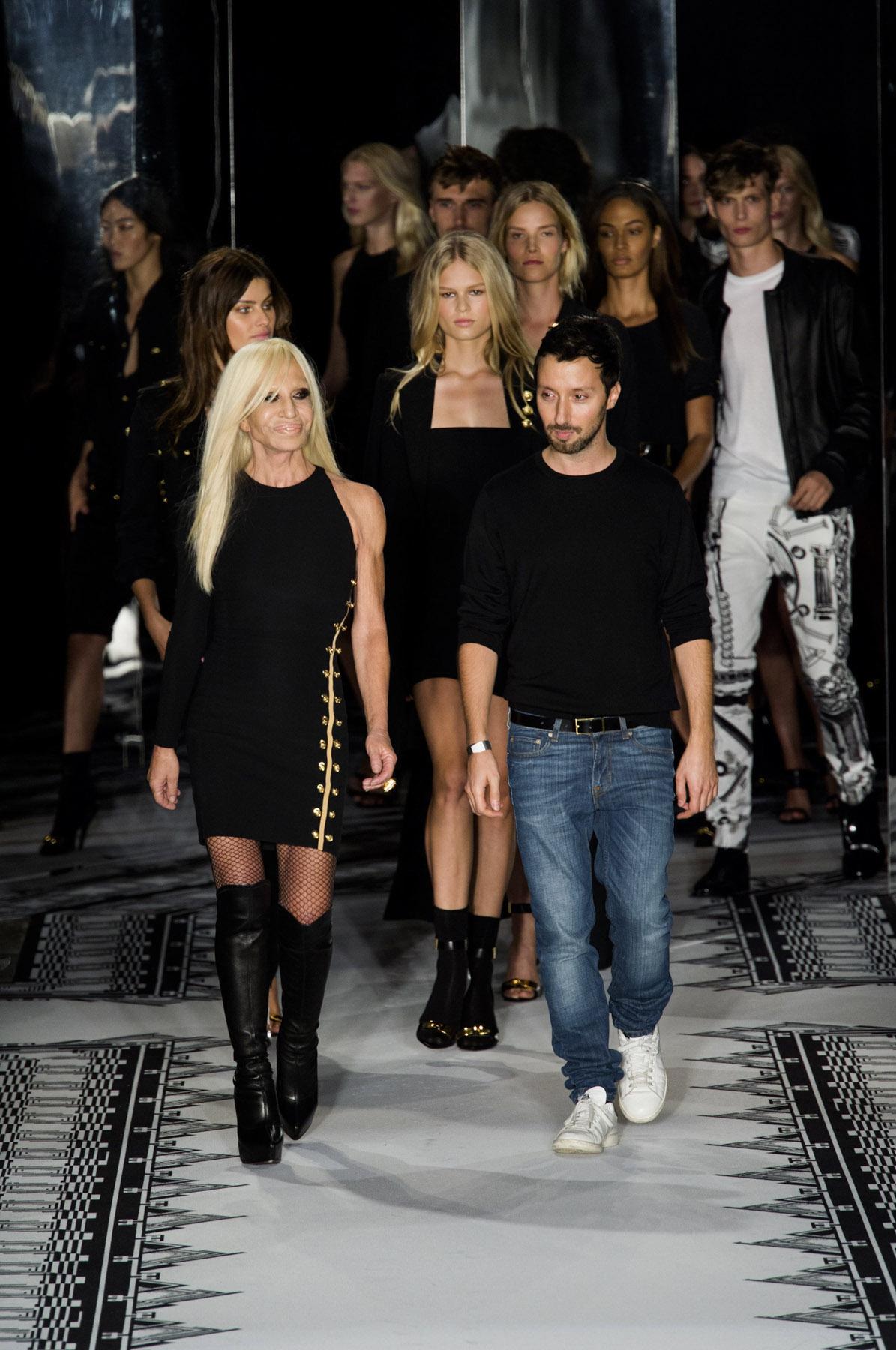 Anthony Vaccarello é o novo diretor criativo da Versus Versace ... 6dde2a5d0b